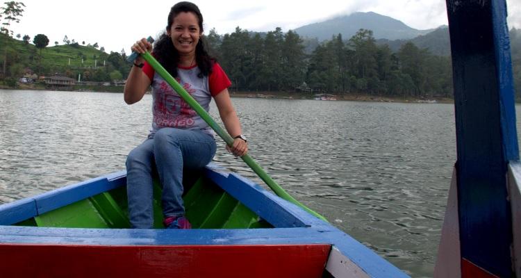 Arti Peribahasa Berakit Rakit Kehulu Berenang Renang Ketepian Proverb Meaning Raft Ride Upstream And Swim To The Edge Pembangunan Menerangi Dan Mencerdaskan