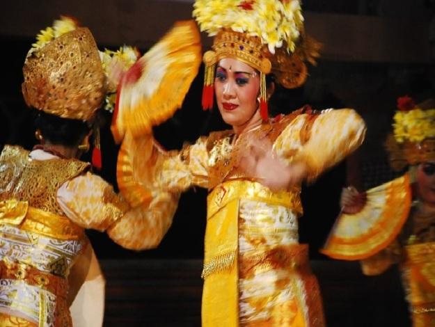 Model Manik Sri Wahyuni