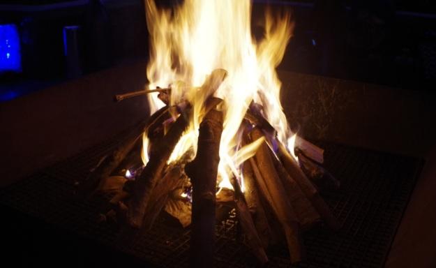 api unggun3
