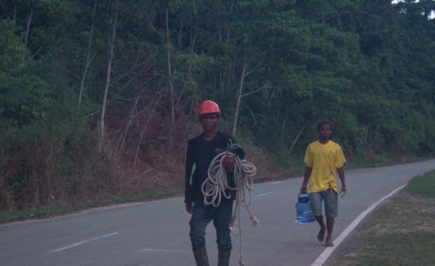 Supporting Team Pembangunan Jaringan Holtekam skouw Perbatasan RI PNG5