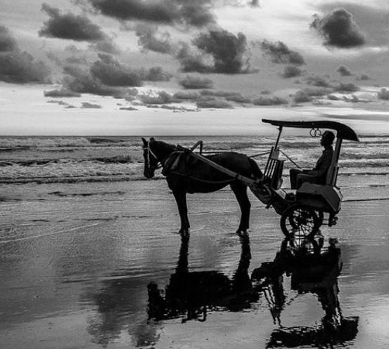 sebuah pantai