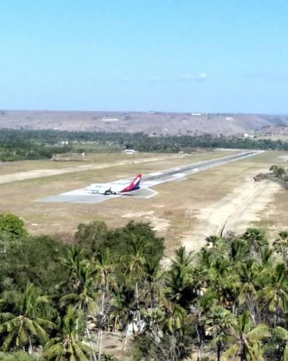 diujung sebuah runway3