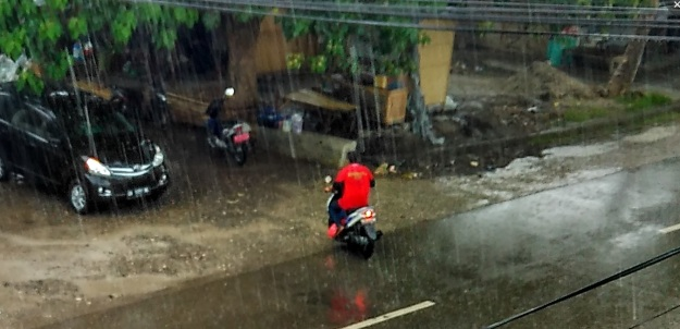 hujan pertama3