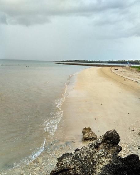 pantai oesapa13