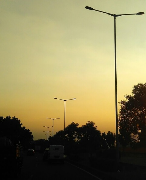 Senja Di Surabaya