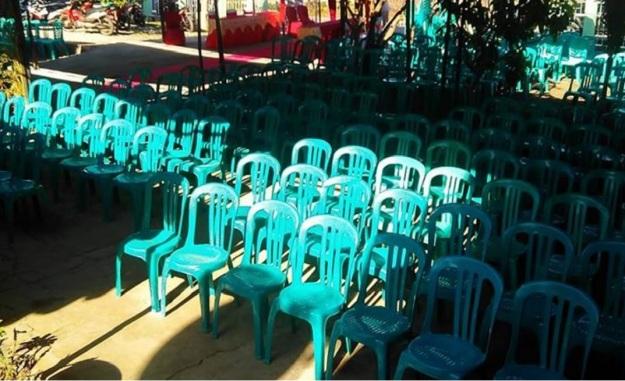 persiapan-kursi-dan-tenda