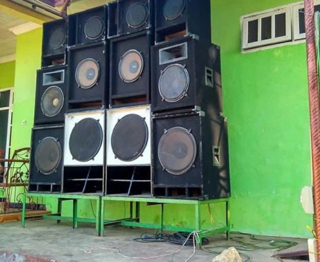 Image result for gambar sound system di acara pesta di kupang