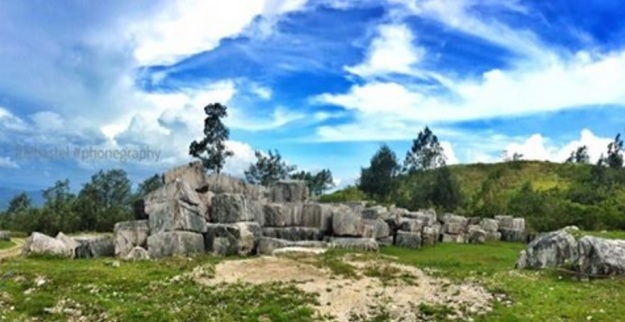 """""""Batu Kotak"""" Naetapan Desa Tunua, Mollo Utara, TTS-NTT"""