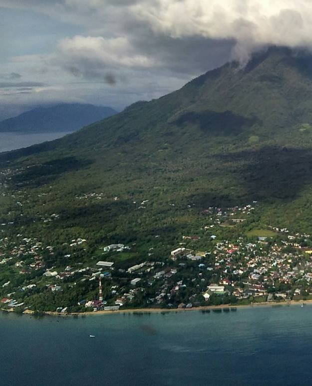 larantuka from air 3