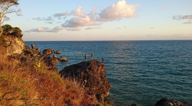 Pantai Batu burung Oebali11