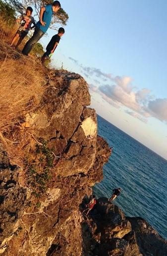 Pantai Batu burung Oebali12