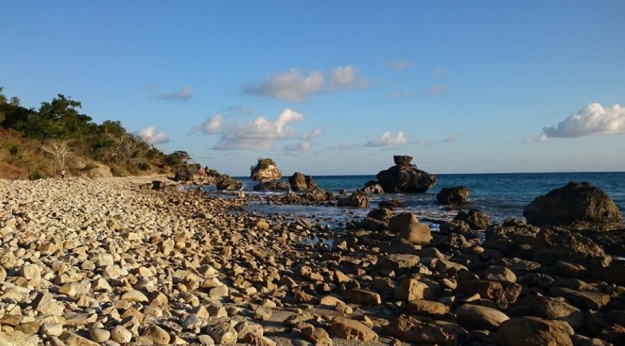 Pantai Batu burung Oebali6
