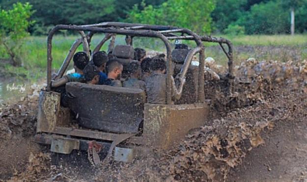 bermain lumpur 12