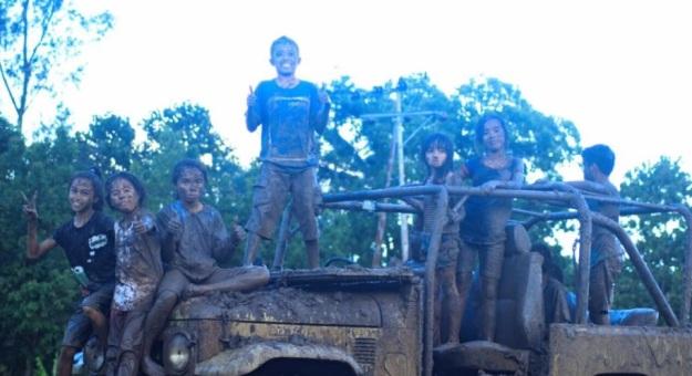 bermain lumpur 4