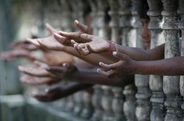 ulurkan tanganmu