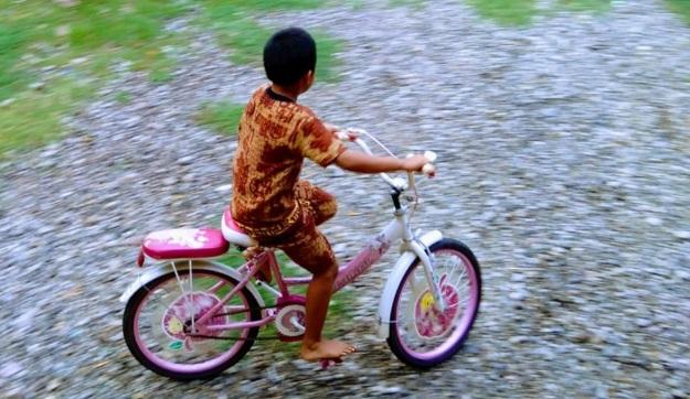 Naik Sepeda Pertama Kali