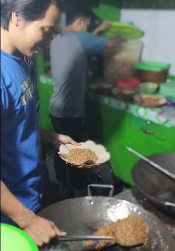 Penjual Nasi Goreng 3
