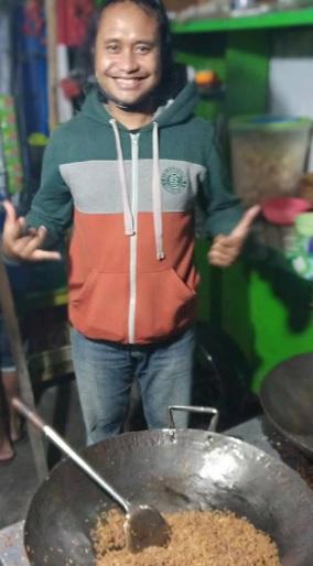 penjual nasi goreng 4