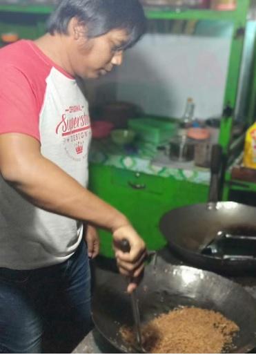 penjual nasi goreng 6